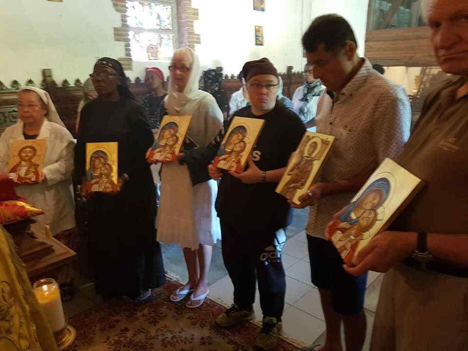 Souvenirs photographiques des travaux des fresques de l'Avant-Chœur de l'église du Monastère et de leur bénédiction