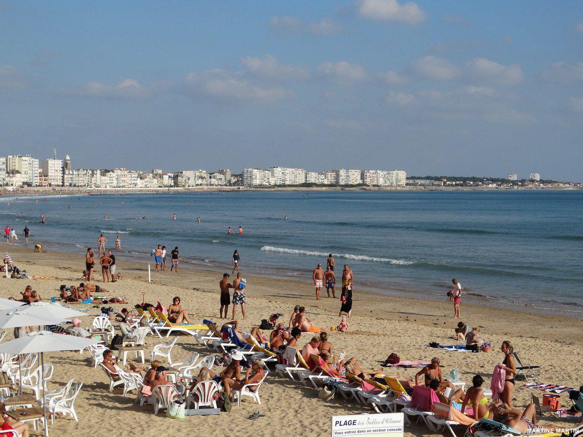 La plage des Sables d'Olonne un dimanche de fin septembre