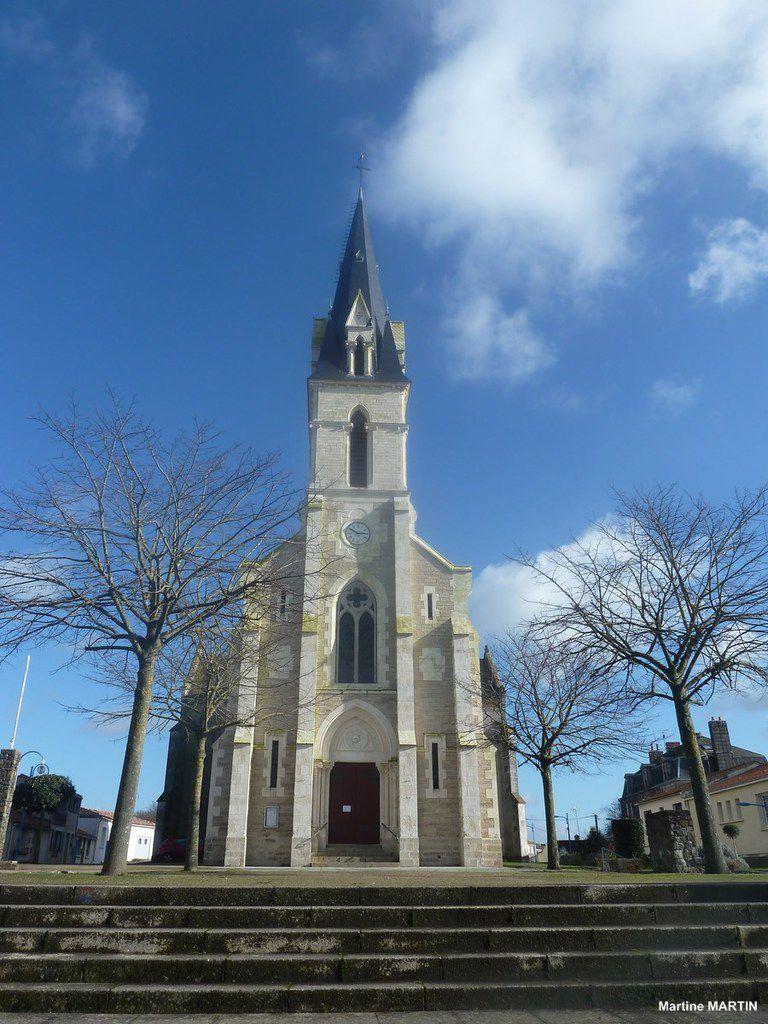 L'église Saint-Pierre de Vairé (85)