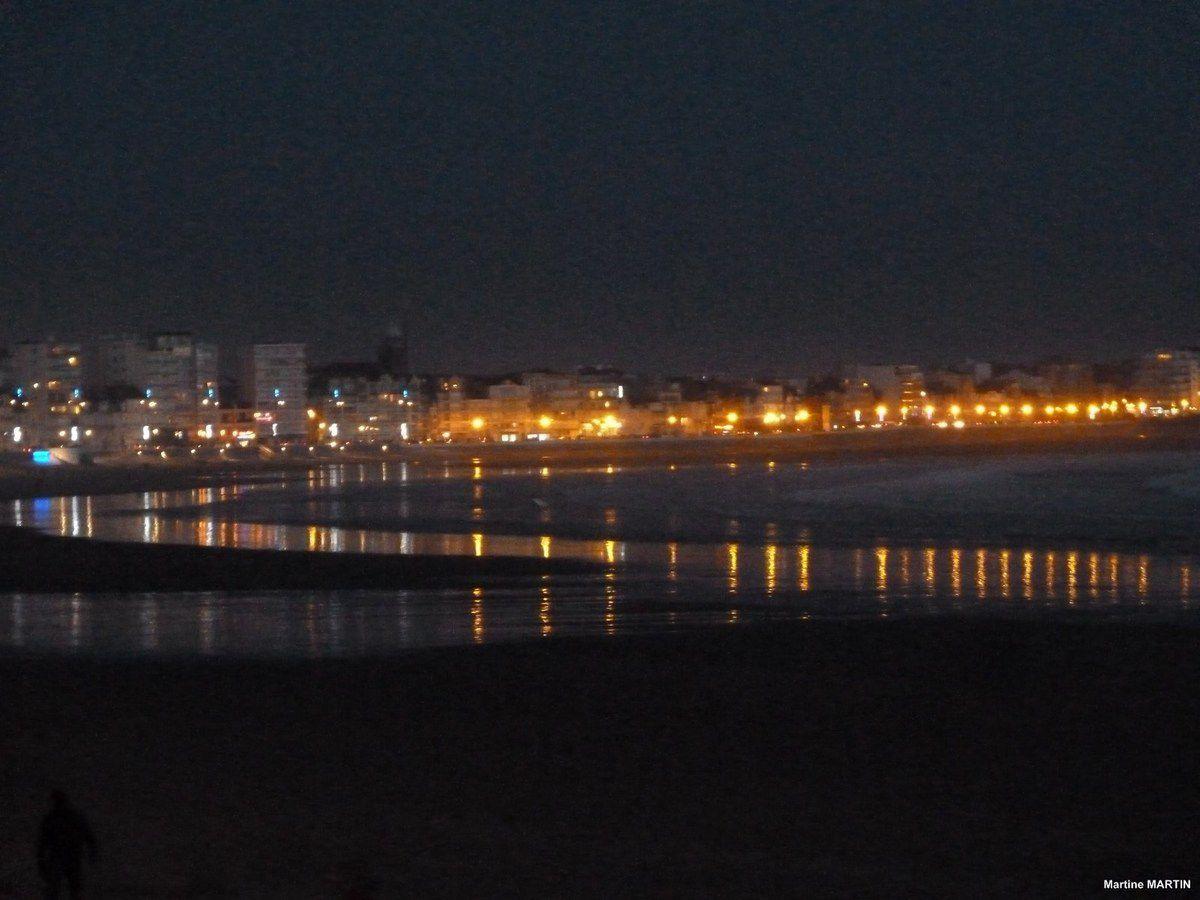 Tombée de la nuit sur la baie des Sables d'Olonne