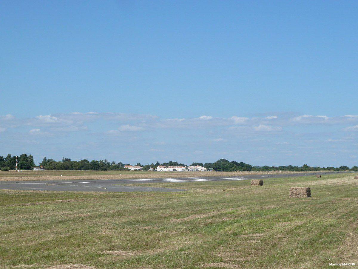 L'aérodrome du Chateau d'olonne : saut en parachute