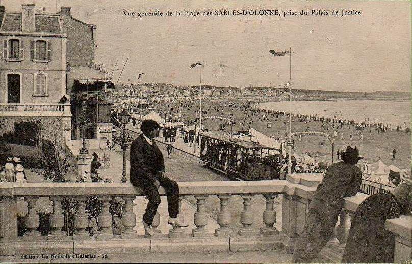 Vue sur le remblai depuis la terrasse devant le palais de justice au début du 20ème siècle