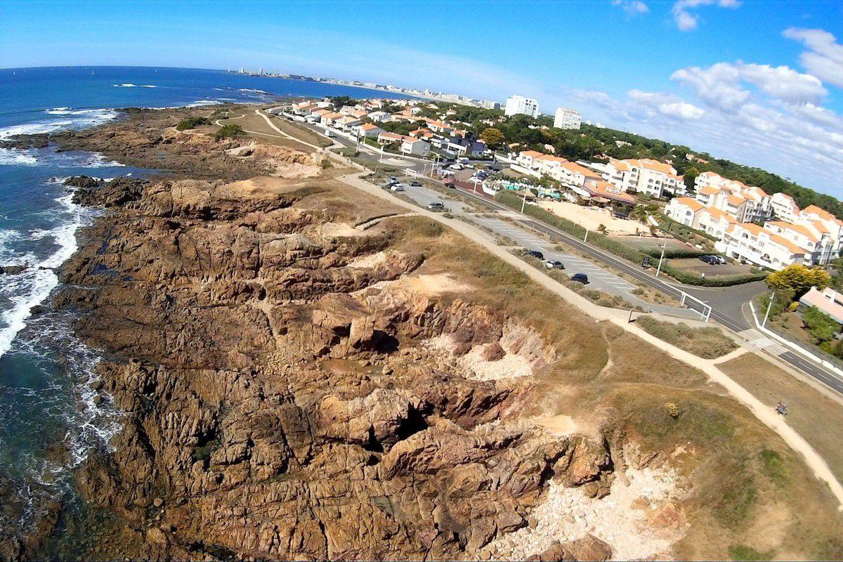 Château d'Olonne : La côte de la Pironnière vue du Ciel