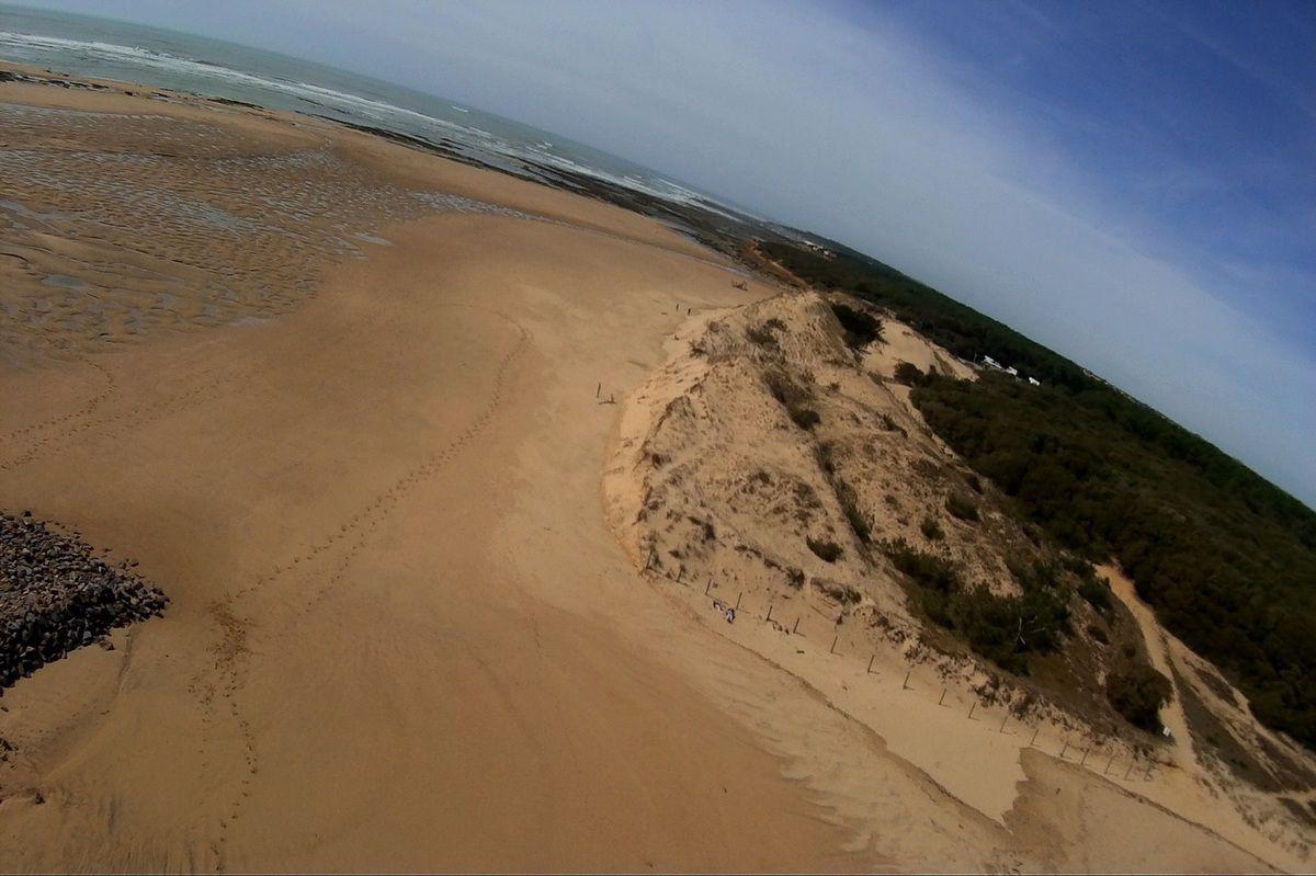 Photos prises avec un cerf volant de la plage du Veillon