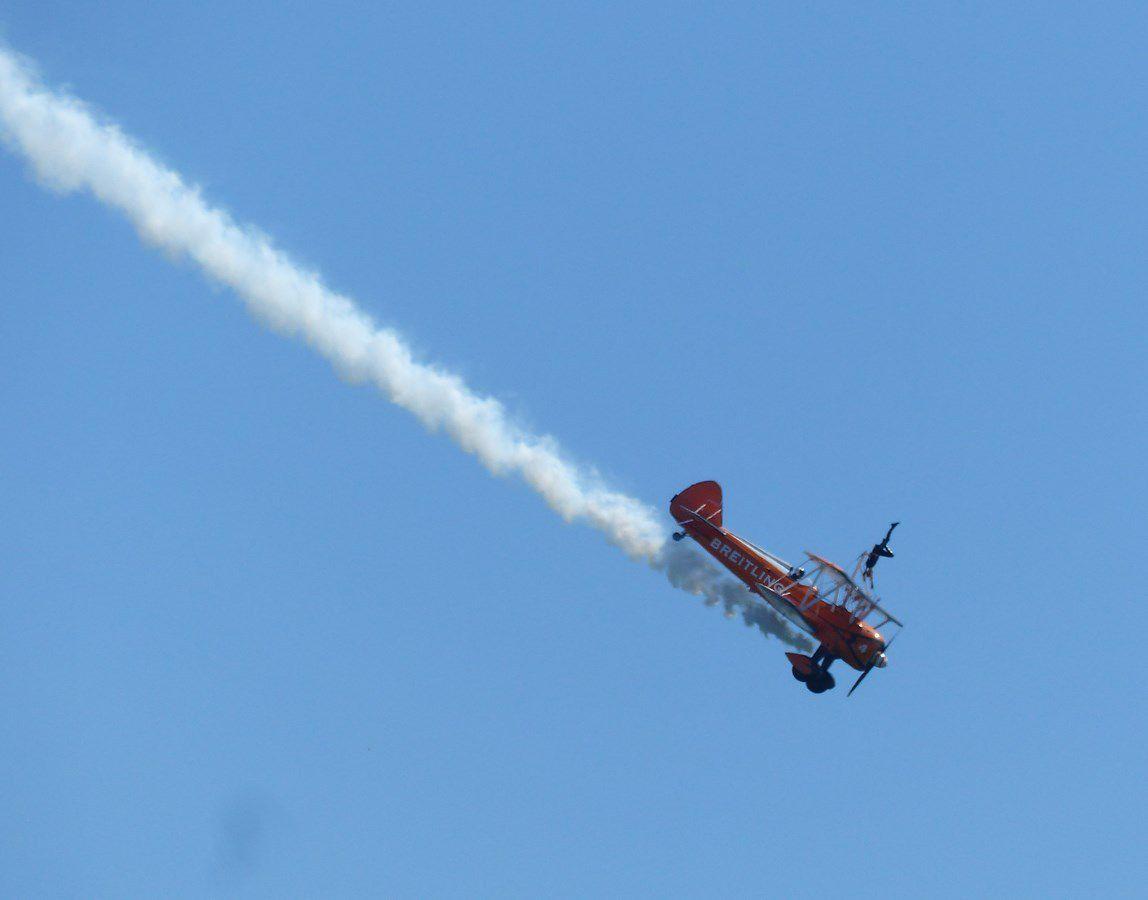 Vendée Airshow aux Sables d'Olonne / Le Breiting Wingwalkers