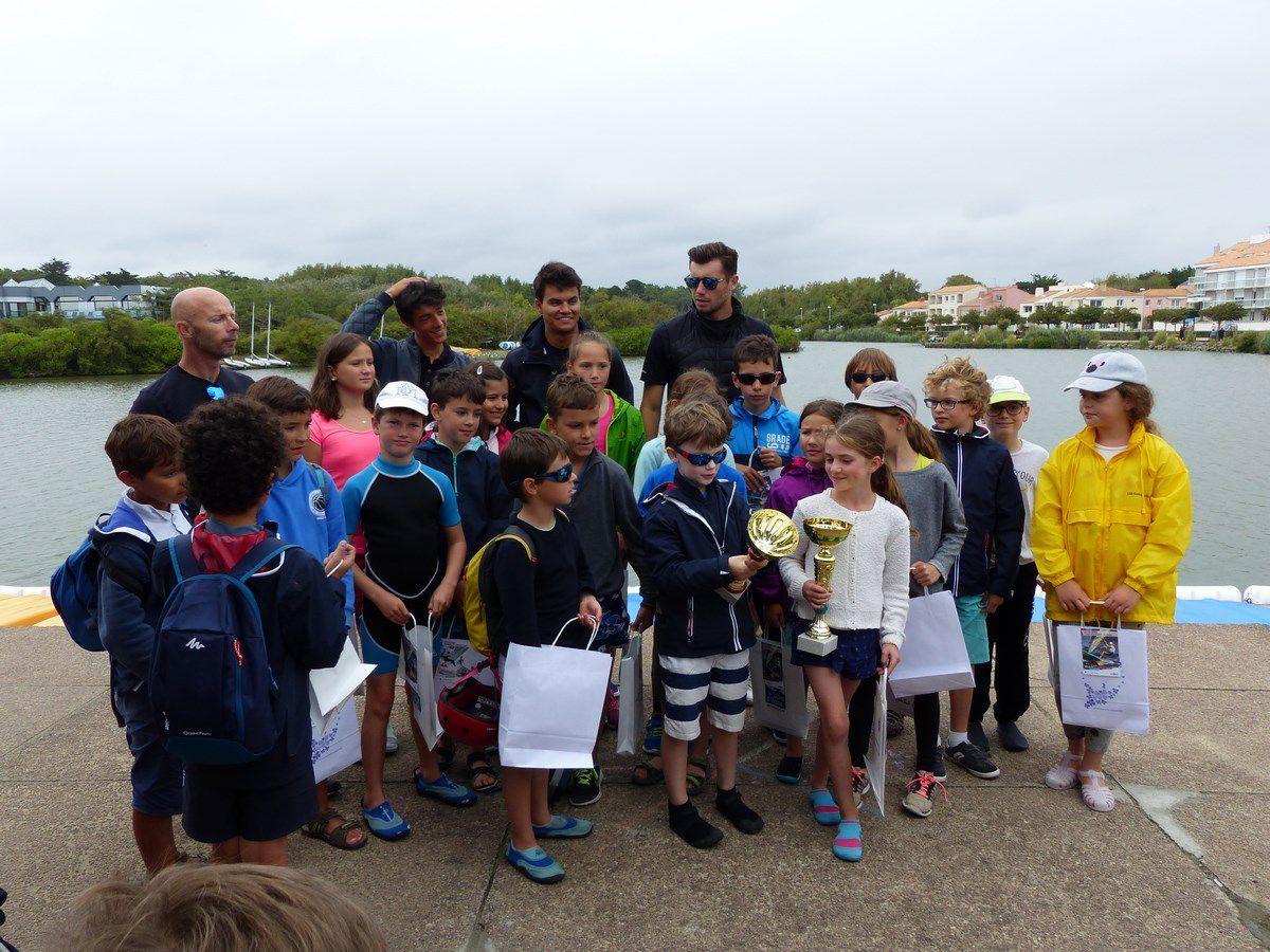 Régate voile optimist enfant sur le lac du Tanchet aux Sables d'Olonne