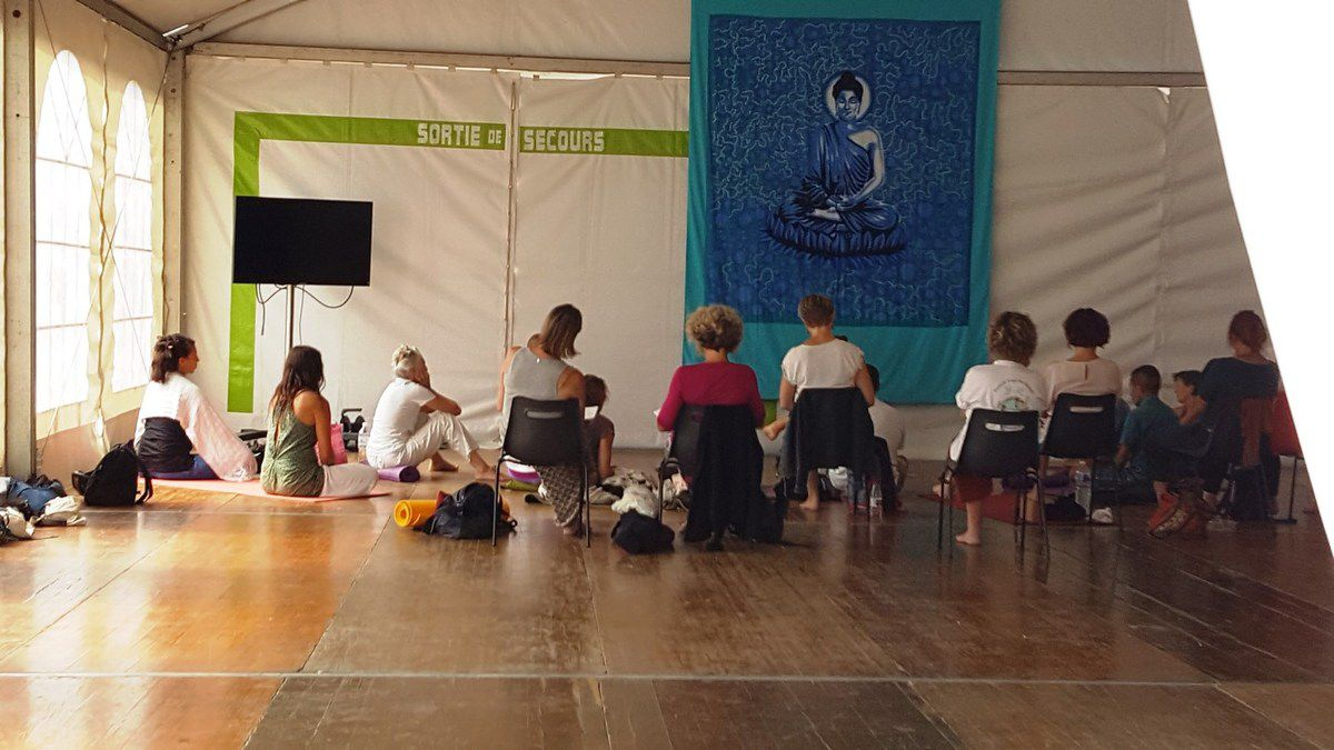 Photos salon du Yoga au château d'Olonne