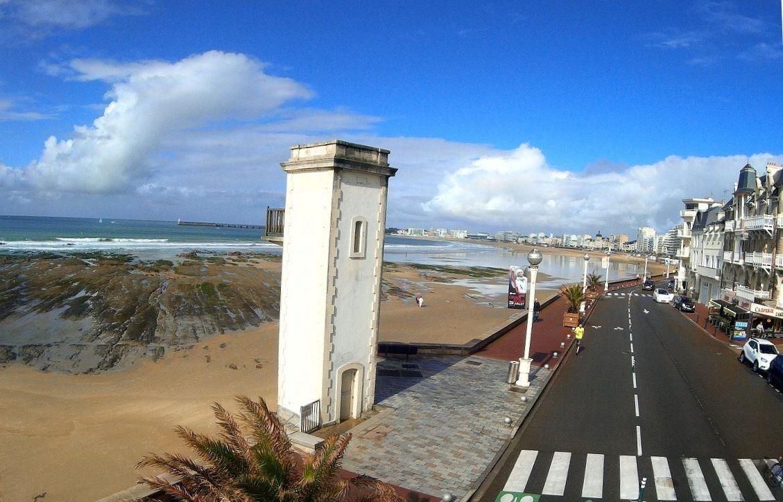 Le phare de l'estacade aux Sables d'Olonne