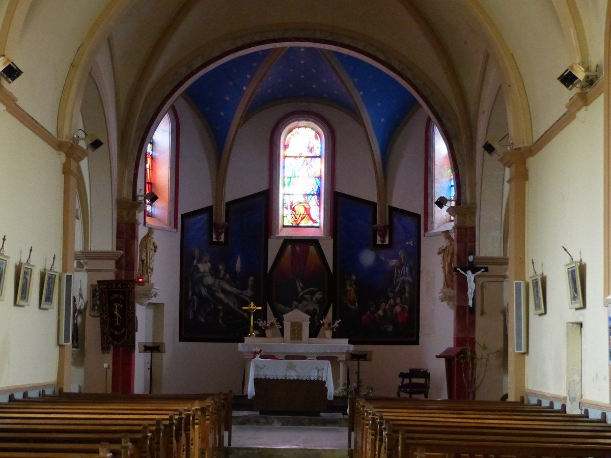 Départ de l'église de Sainte Foy