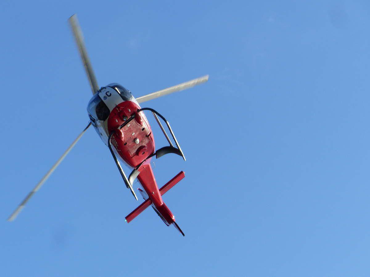 Hélicoptères au restaurant à Cayola