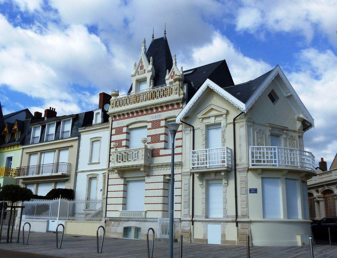 Belles villas du remblai des Sables d'Olonne