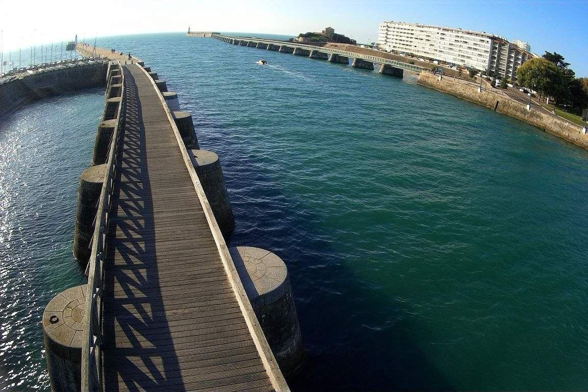 Passerelle de la base de mer des Sables d'Olonne