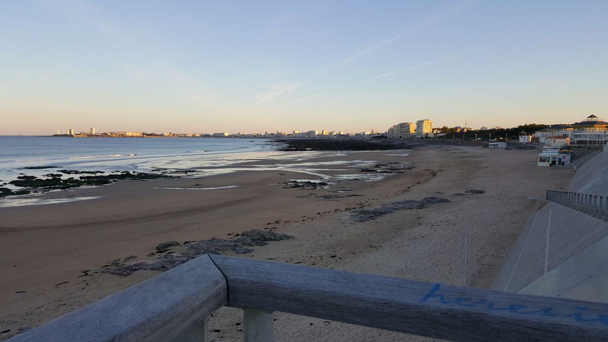 La plage du Tanchet et la baie des sables un matin de mai