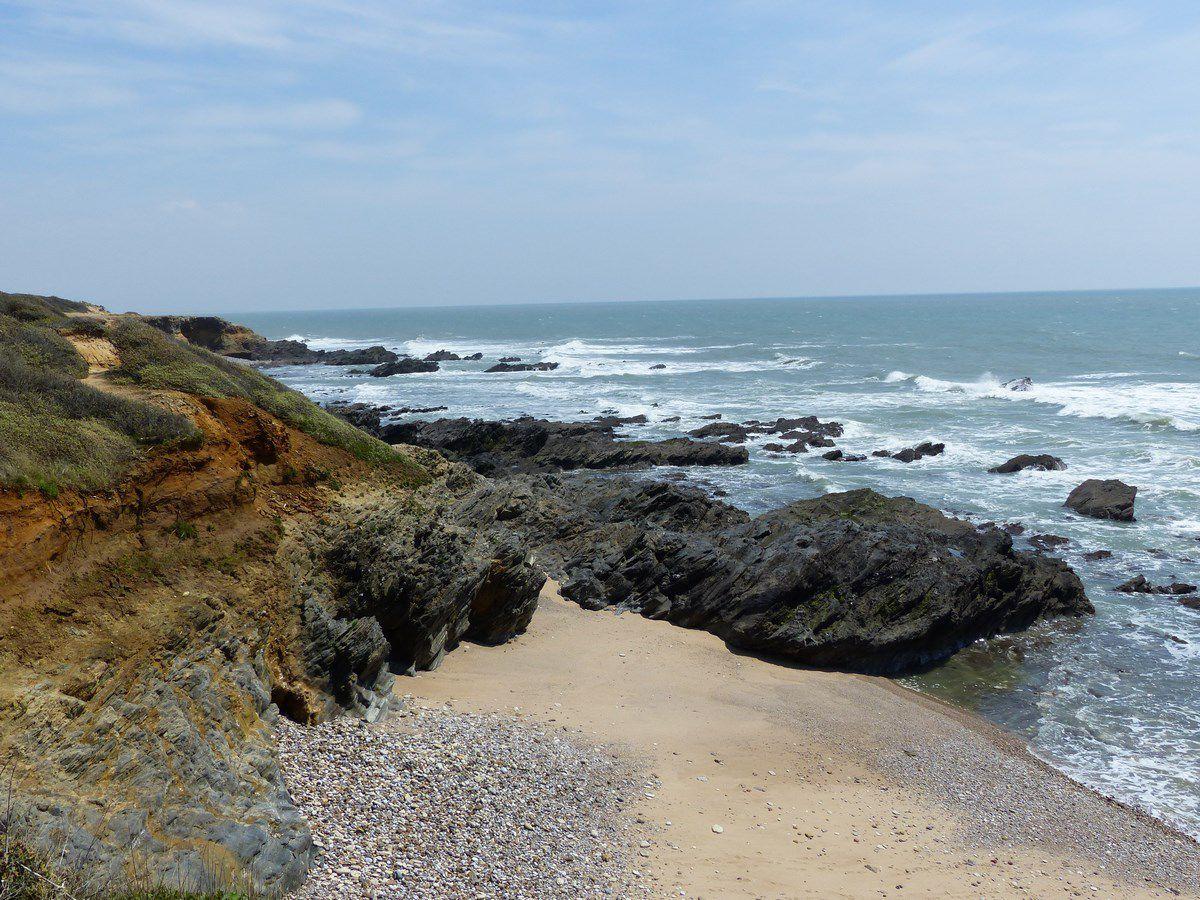 Le littoral de la pointe du payré à Jard sur mer à marée basse