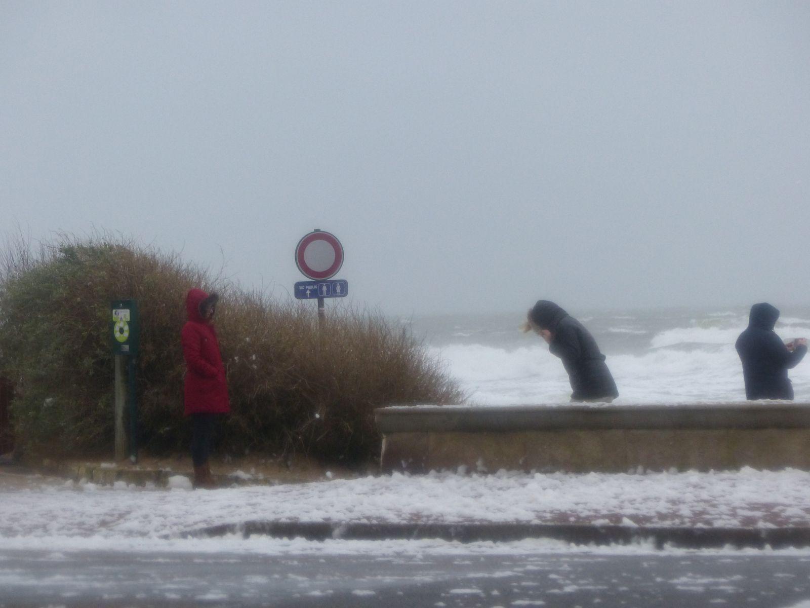 Tempête Ciara aux Sables d'Olonne un jour de grande marée