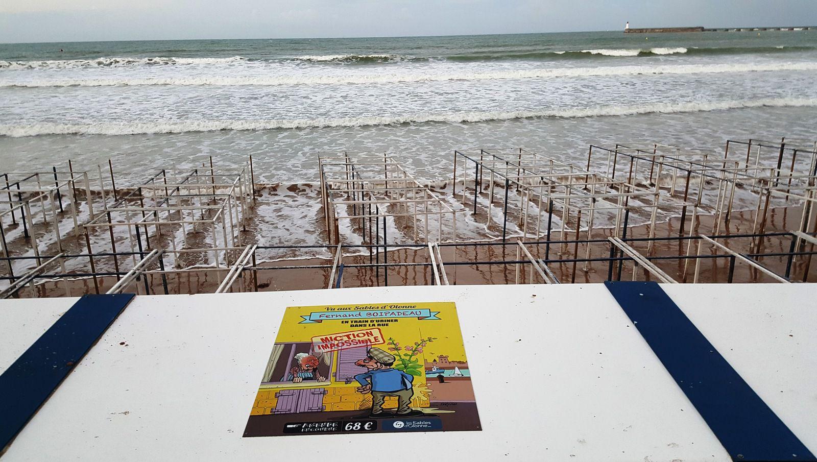 Grande marée sur le remblai des Sables d'Olonne aout 2020