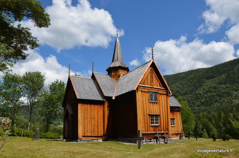 Eglise en bois debout de Nore
