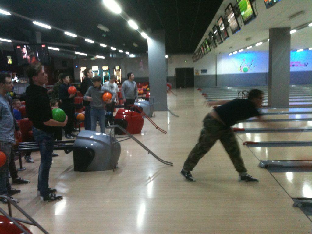 Strikes en pagaille à la sortie Bowling des internes !