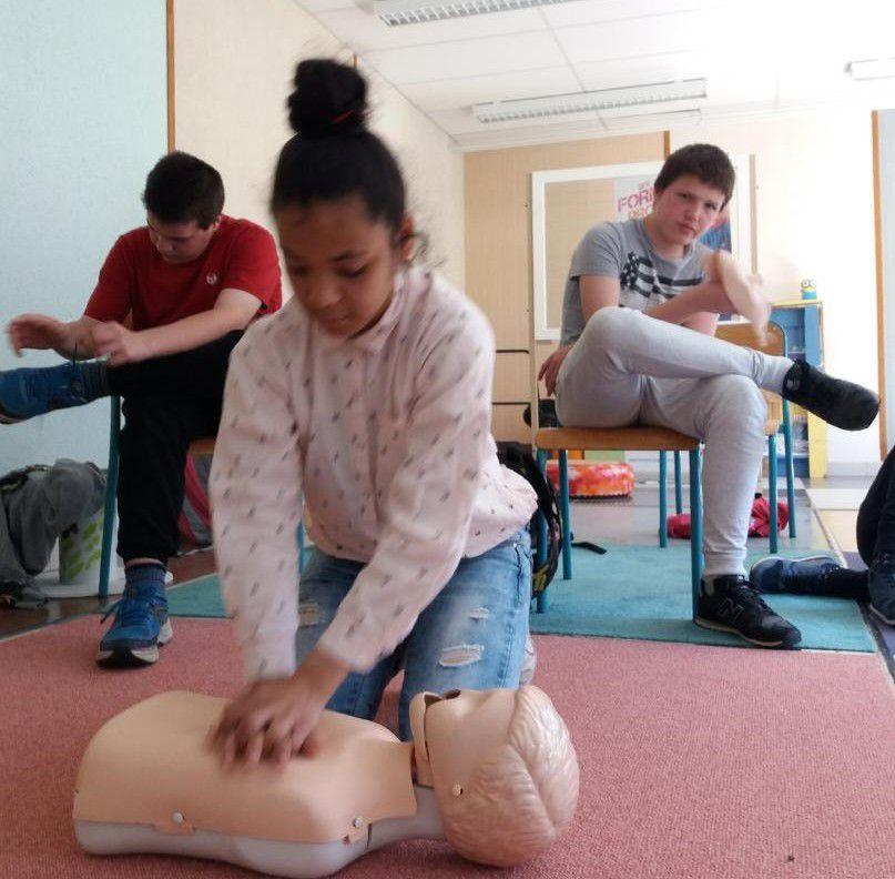 Une formation aux premiers secours pour la classe de 4e A