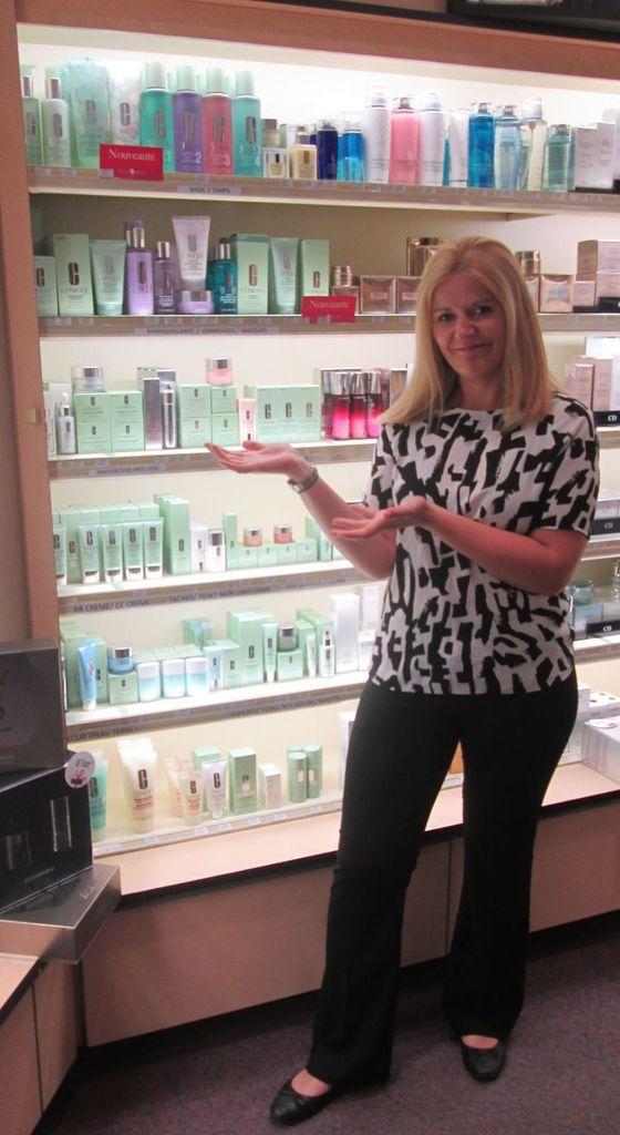 Lorsque je travaillais à la parfumerie Passion Beauté, j'étais en charge du rayon de la marque Clinique, j'adore cette marque!