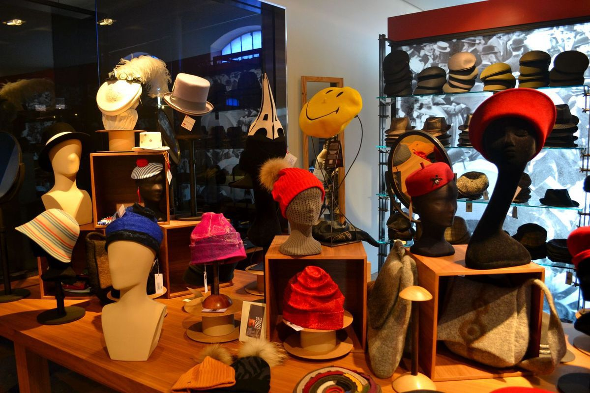 Arrivée à l'Atelier-Musée du Chapeau, dans l'ancienne usine Fléchet!