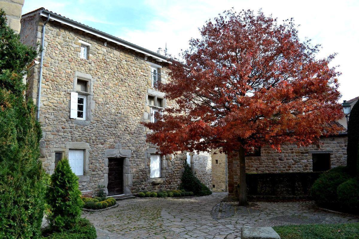 Escapade au village médiéval de Saint-Victor-sur-Loire