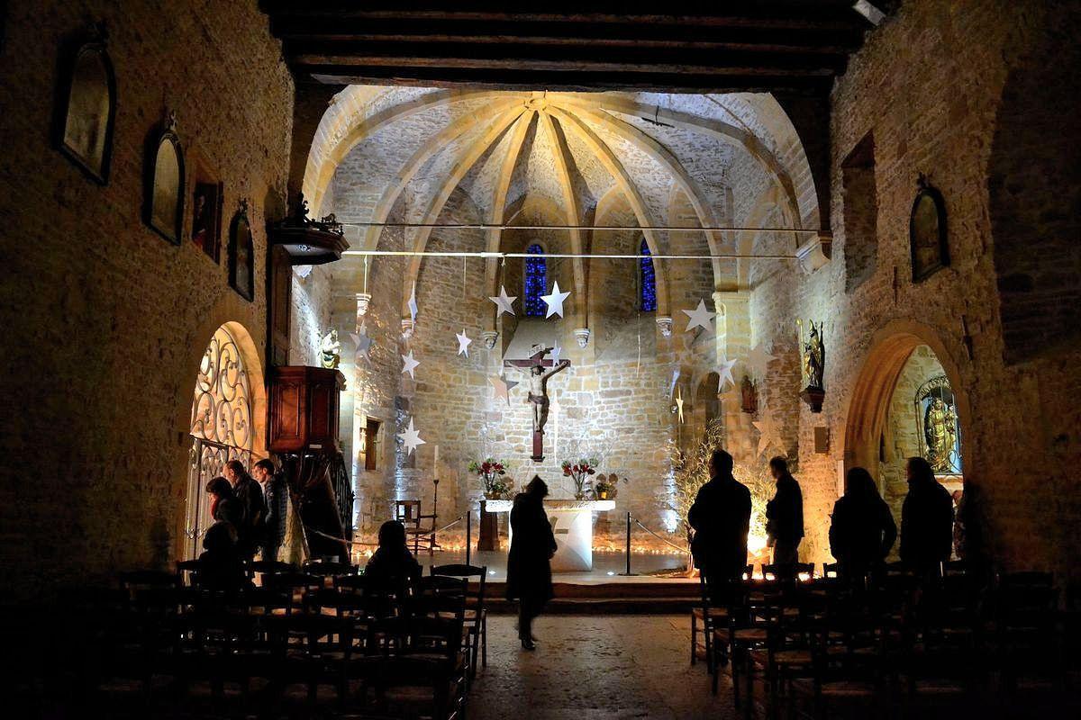 Dans l'église du village d'Oingt...