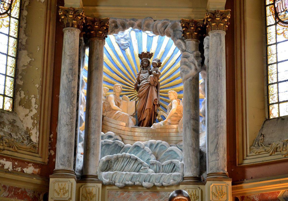 La Basilique Notre-Dame-de-l'Immaculée-Conception à Boulogne-sur-Mer, avec son impressionnant dôme sur la photo ci-dessus...