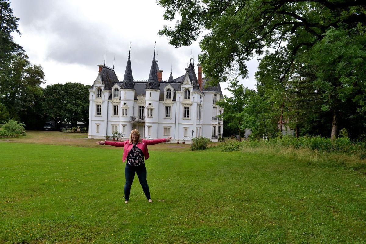 Le charmant Château de la Motte, de style néo-médiéval et datant du XVIIème siècle. Une fois que nous avons déposé nos valises dans notre chambre, nous sommes allés faire un petit tour dans l'immense parc de la propriété. Nous n'en avons d'ailleurs même pas fait le tour.