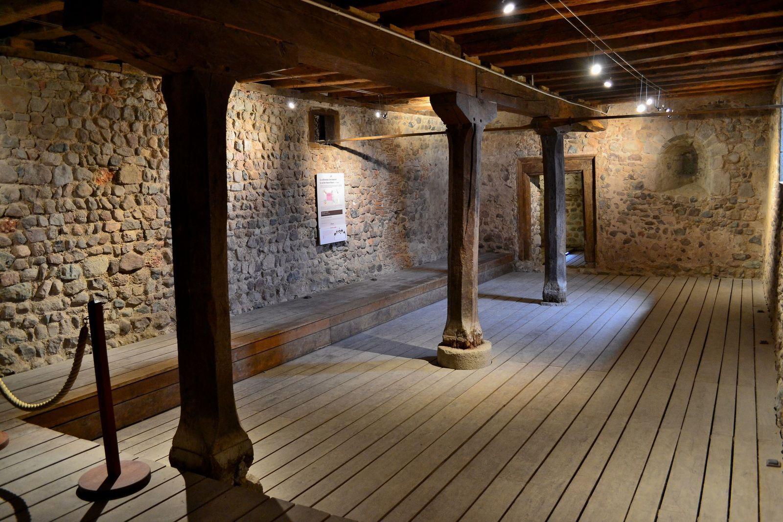 Le sous-sol du monastère, qui est en fait le prieuré originel, ou primitif...