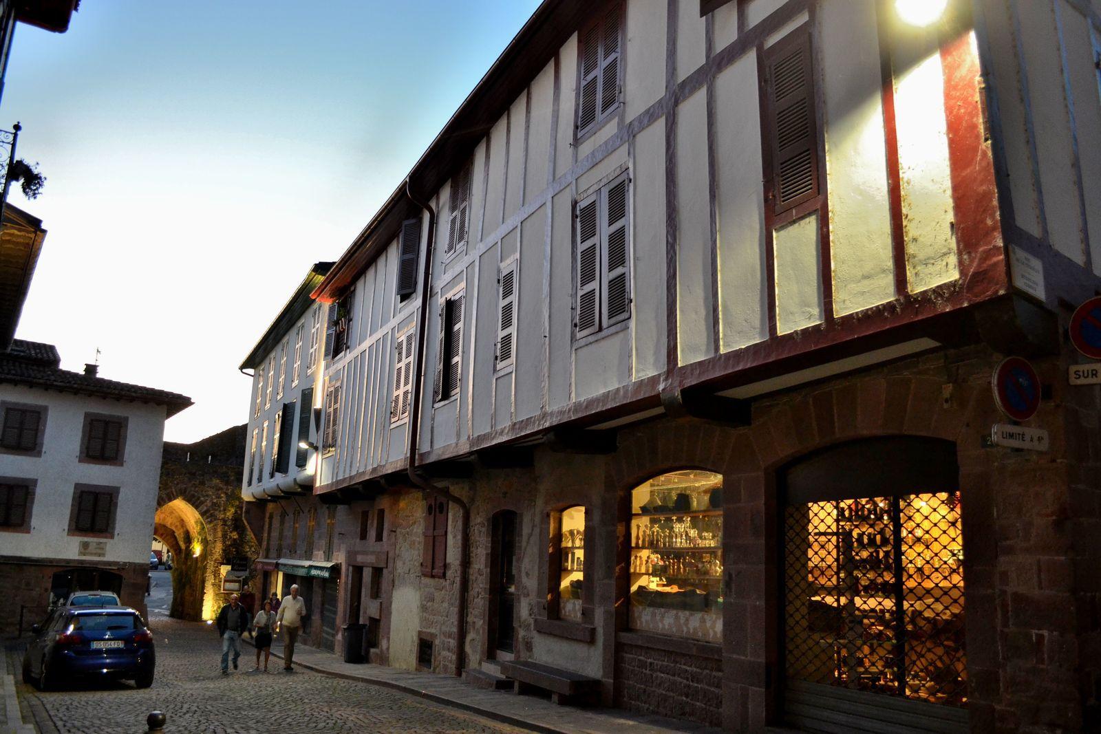 Une soirée à Saint-Jean-Pied-de-Port...