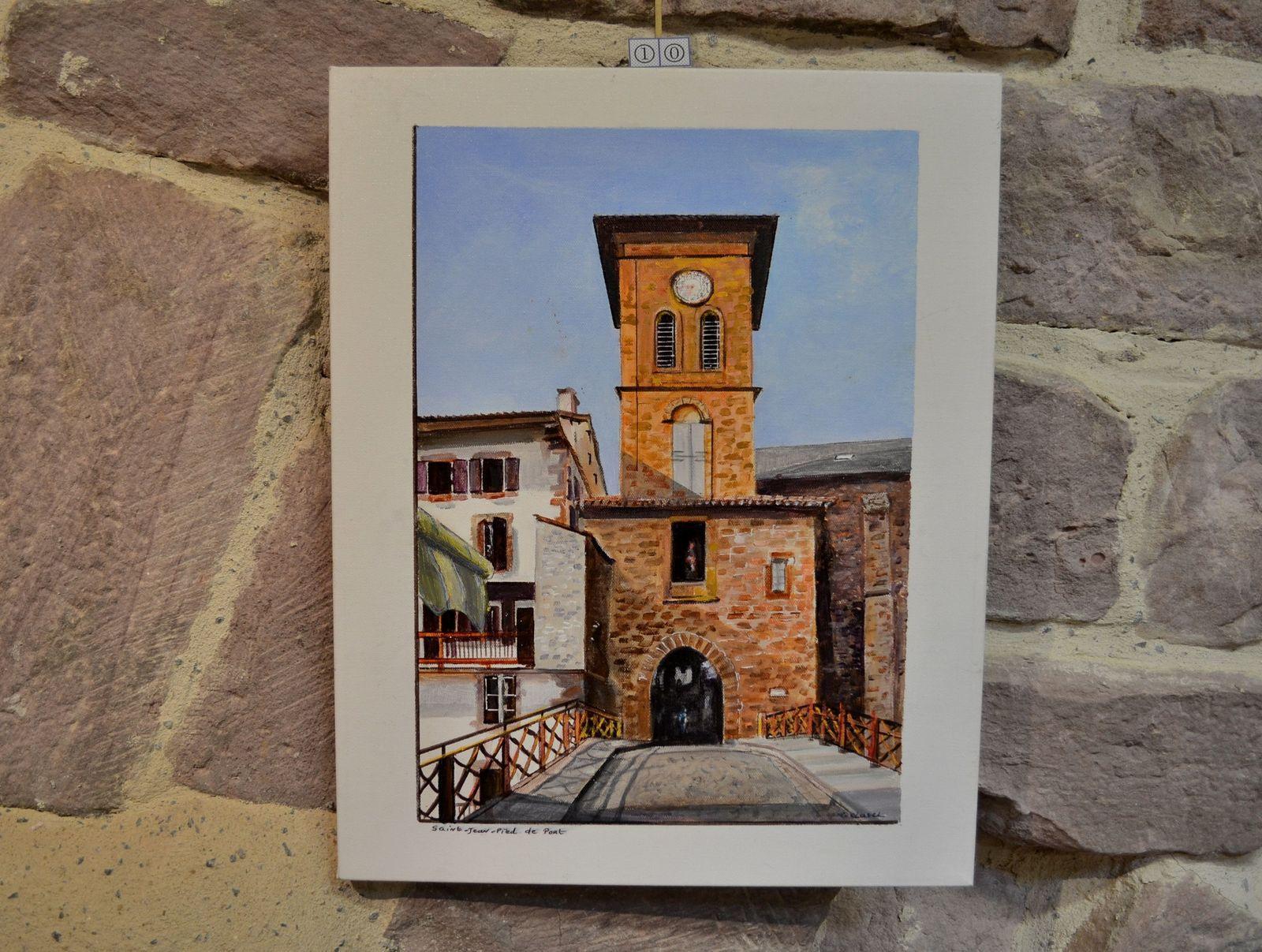 """Au deuxième étage de la Prison des Evêques, il y avait l'exposition d'une artiste-peintre, une certaine Françoise CLAVEL. J'ai beaucoup aimé ses tableaux de la campagne basque et de ses """"Etxe"""" (fermes traditionnelles)..."""