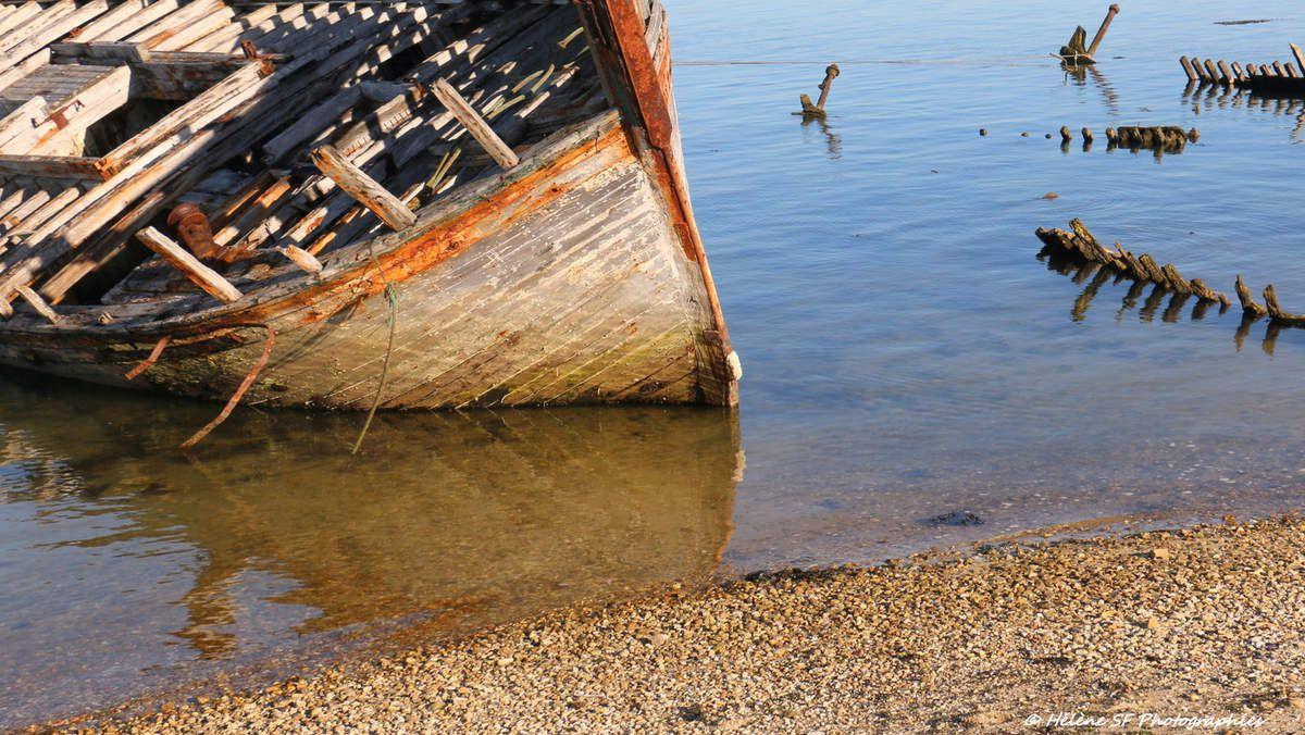 Le petit cimetière de bateaux de Gâvres dans le Morbihan