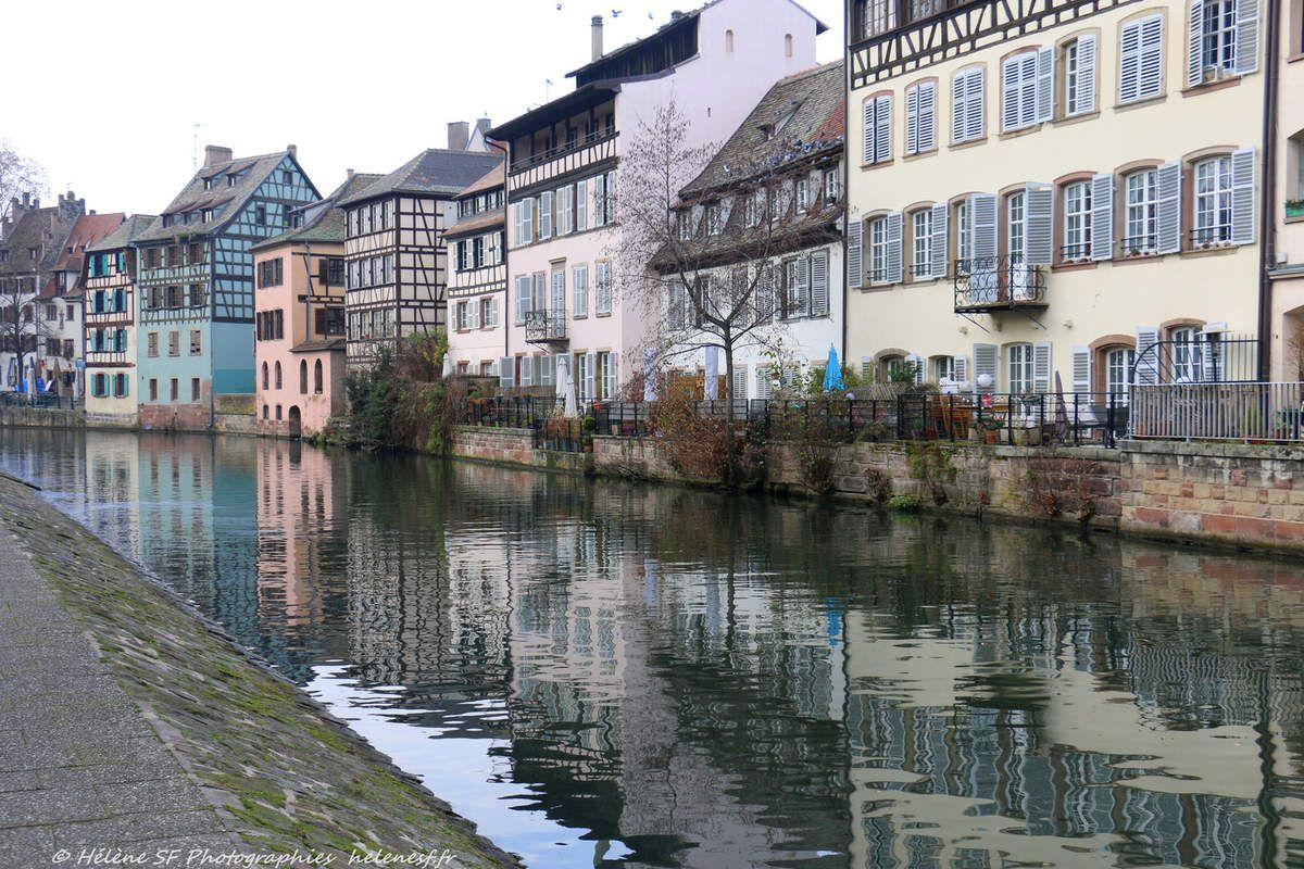 Strasbourg, balade dans le quartier de la petite France et des ponts couverts pendant les marchés de Noël