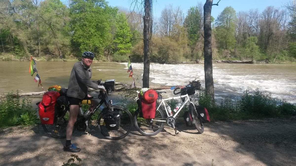 """La rivière Isar n'est pas toujours un long """"fleuve"""" tranquille."""