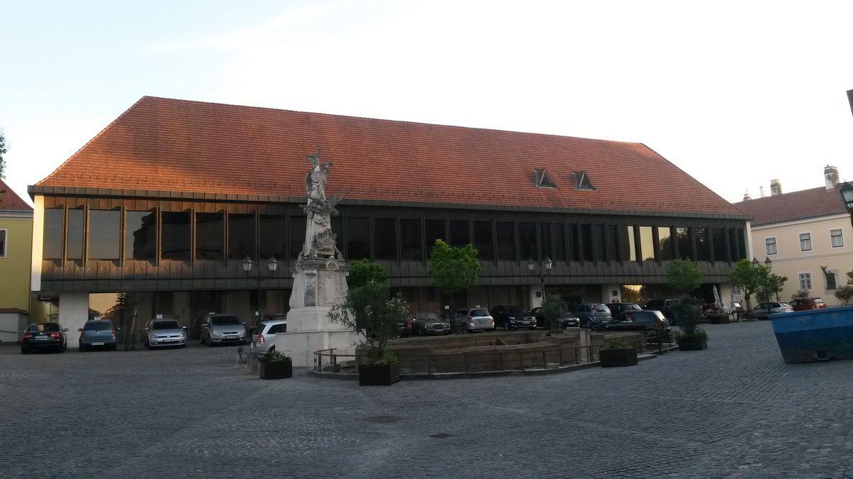 L'Hôtel Konferencia/Raba.