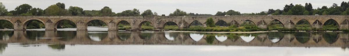 Le pont de Beaugency.