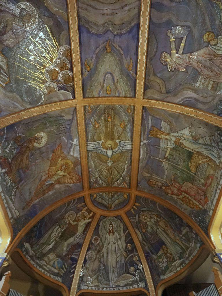 Plafond de la nef.