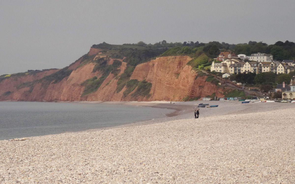 Les falaises rouges de Budleigh-Salterton.