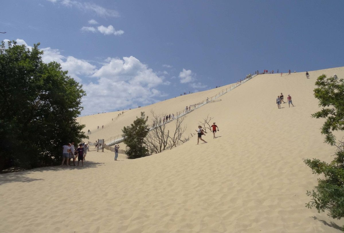 Dune du Pyla. Nous, on montera par le sable....chaud..