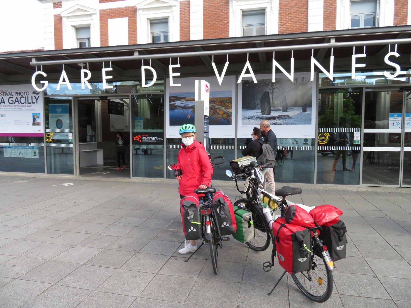 Vannes - Questembert : 12 minutes de train pour rejoindre la Voie Verte.