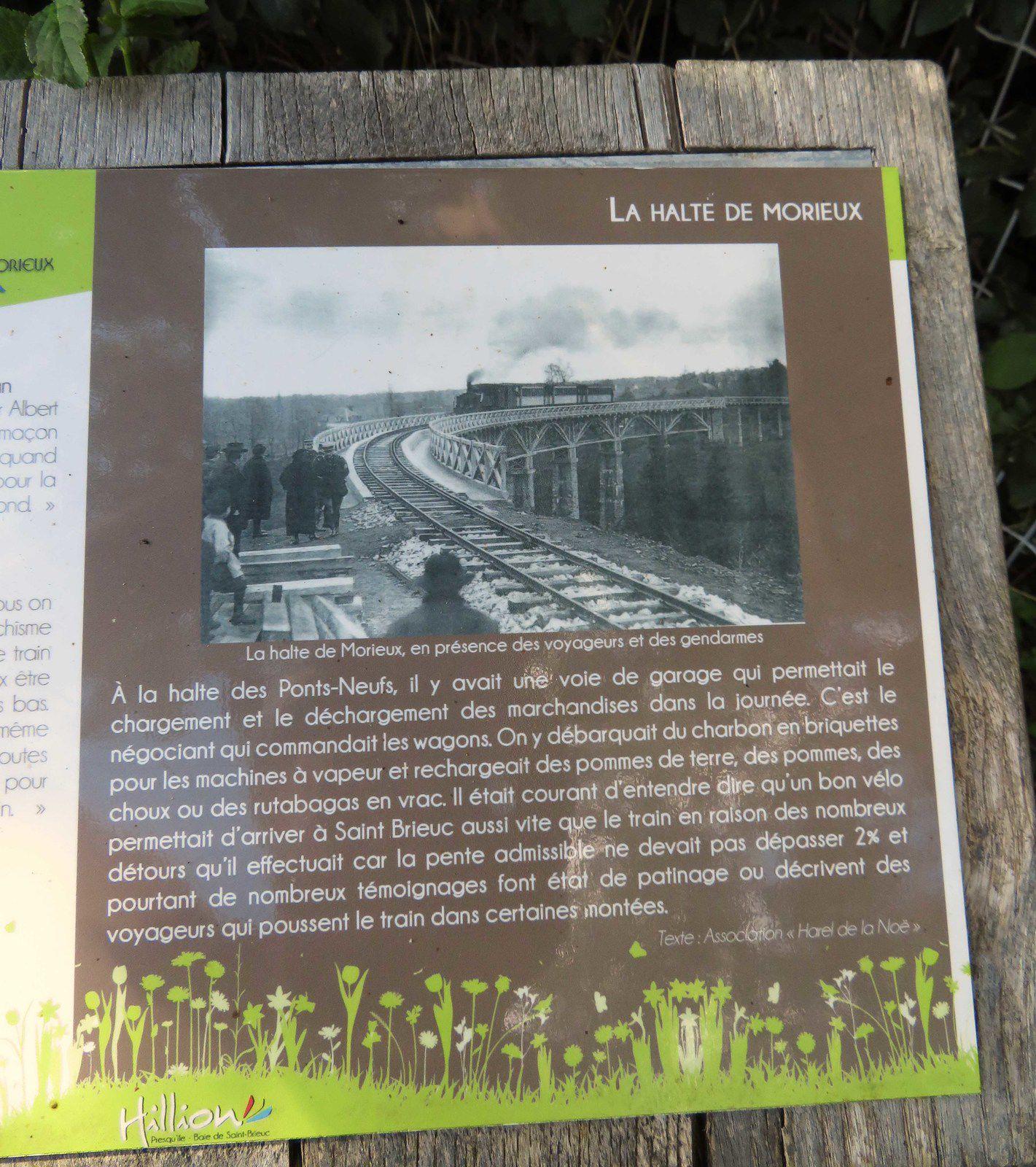 L'EV4 emprunte le viaduc des 'Ponts Neufs' entre Morieux et Hillion. La légende de la photo vaut son jus..