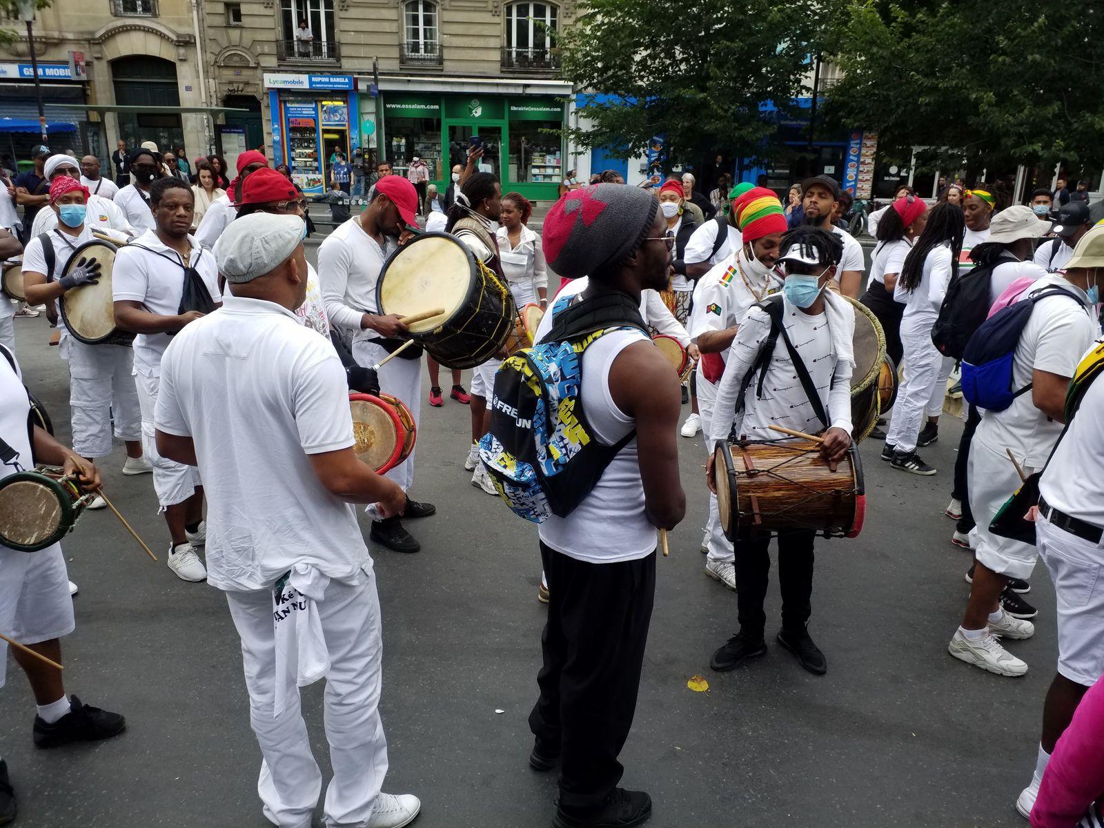 Déboulé des  Gouadeloupéens « LIMYE POU LE ZANSYEN* »