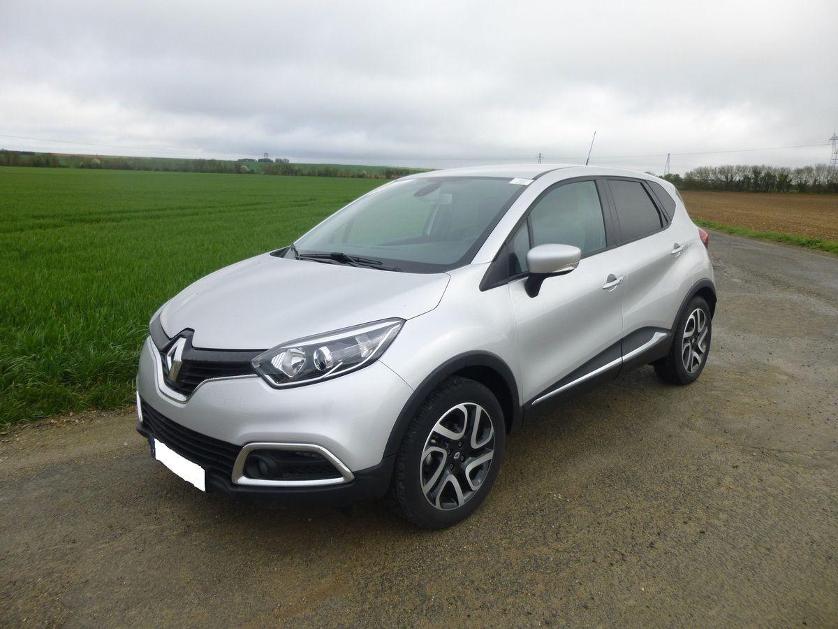 Le Renault Captur, l'un des crossovers les plus vendus en Europe. Dommage que ce genre de véhicules polluent plus que les berlines équivalentes. Selon plusieurs études, ils seraient même une cause essentielle du réchauffement climatique.