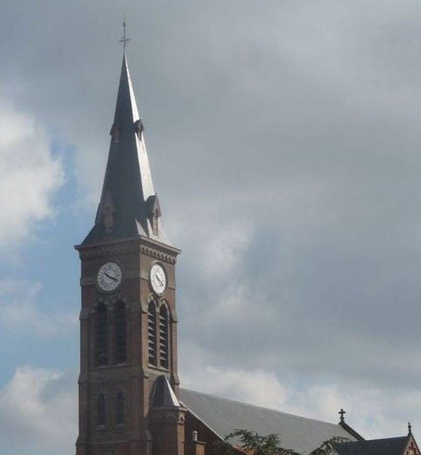 Le clocher de l'Eglise Saint Alphonse Halluin (Mont) Août 2018.