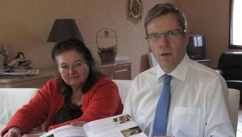 """Marie-Paule Heiblé et Jean-Christophe Destailleur du Groupe d'Opposition """"100 % Halluin"""" au sein du Conseil Municipal."""