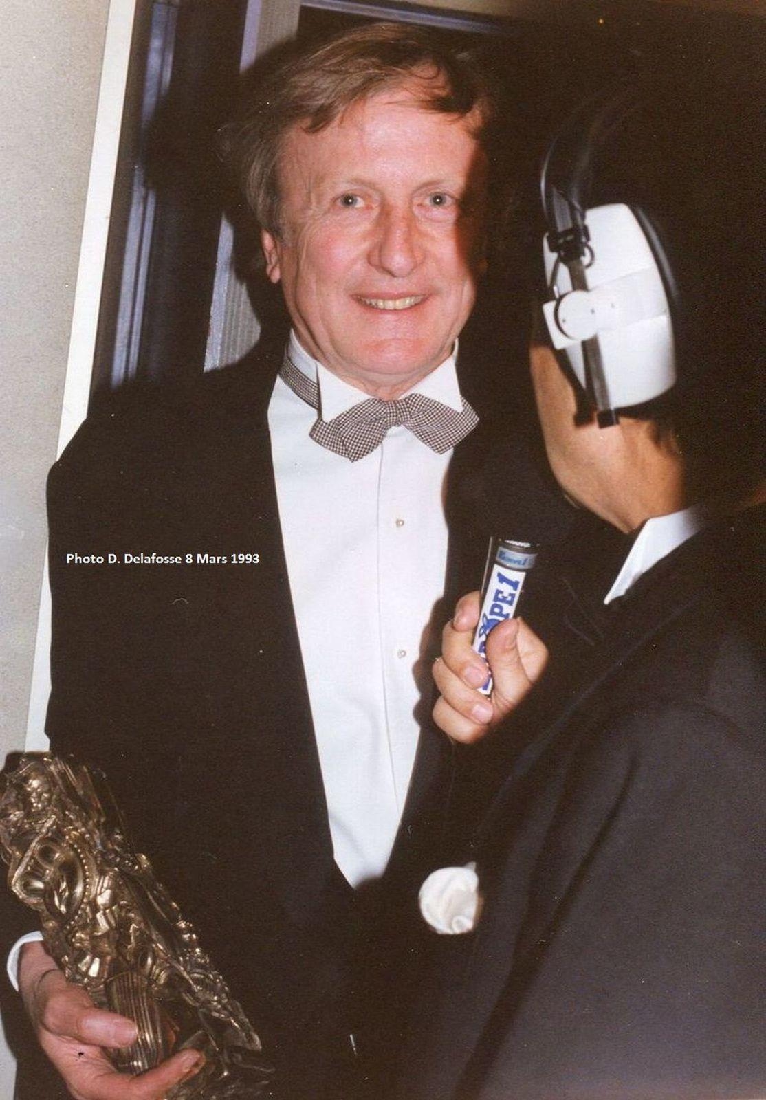 """Interviewé en salle de presse : Claude Rich César du Meilleur Acteur 1993, pour le fim """"Le Souper""""."""