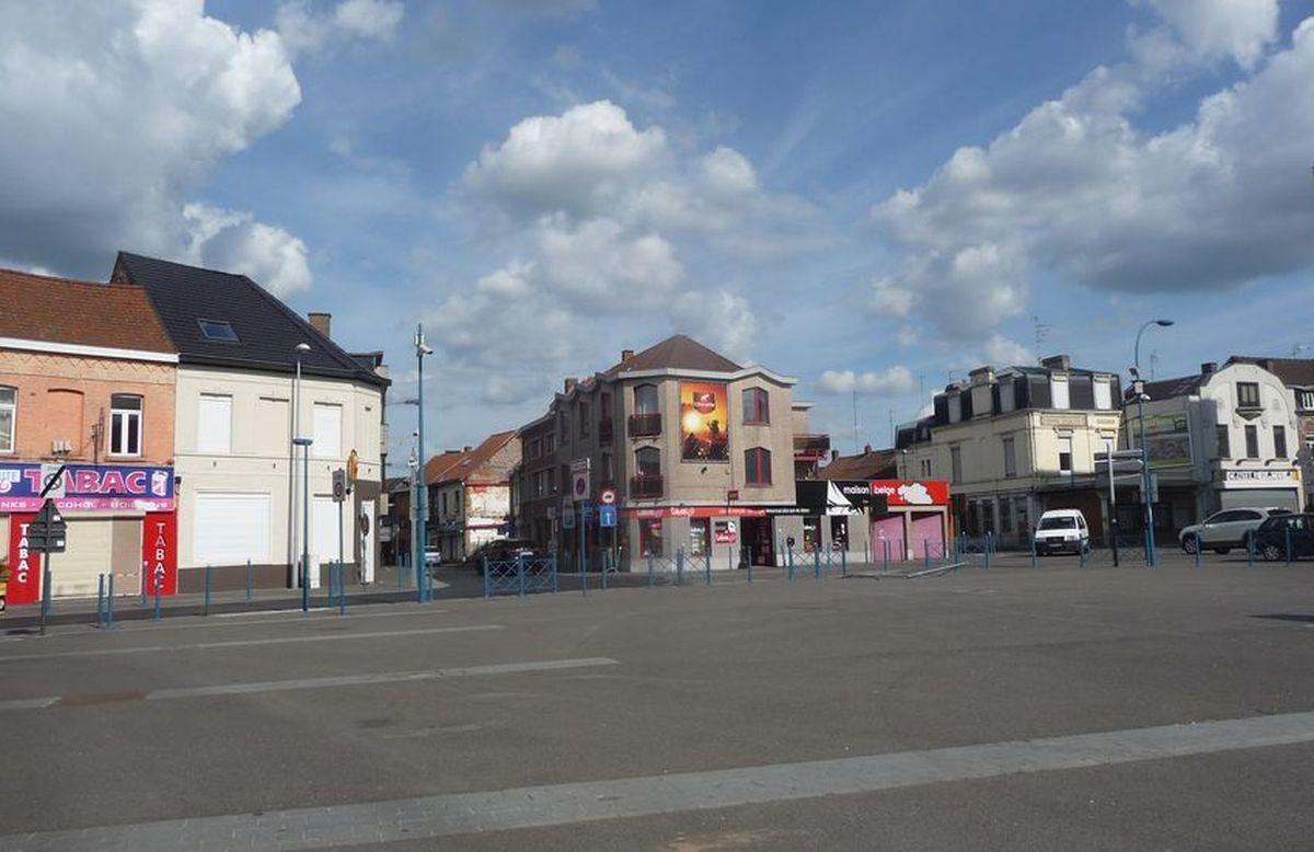 """La Place transfrontalière Halluin Menin ... dénommée """"Jacques Delors""""  15 Juin 2020."""