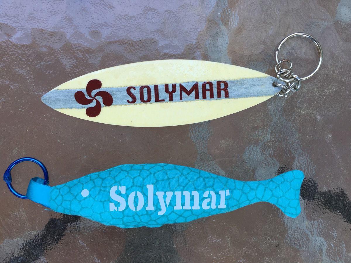Porte-clés Poisson ou Planche de surf ?