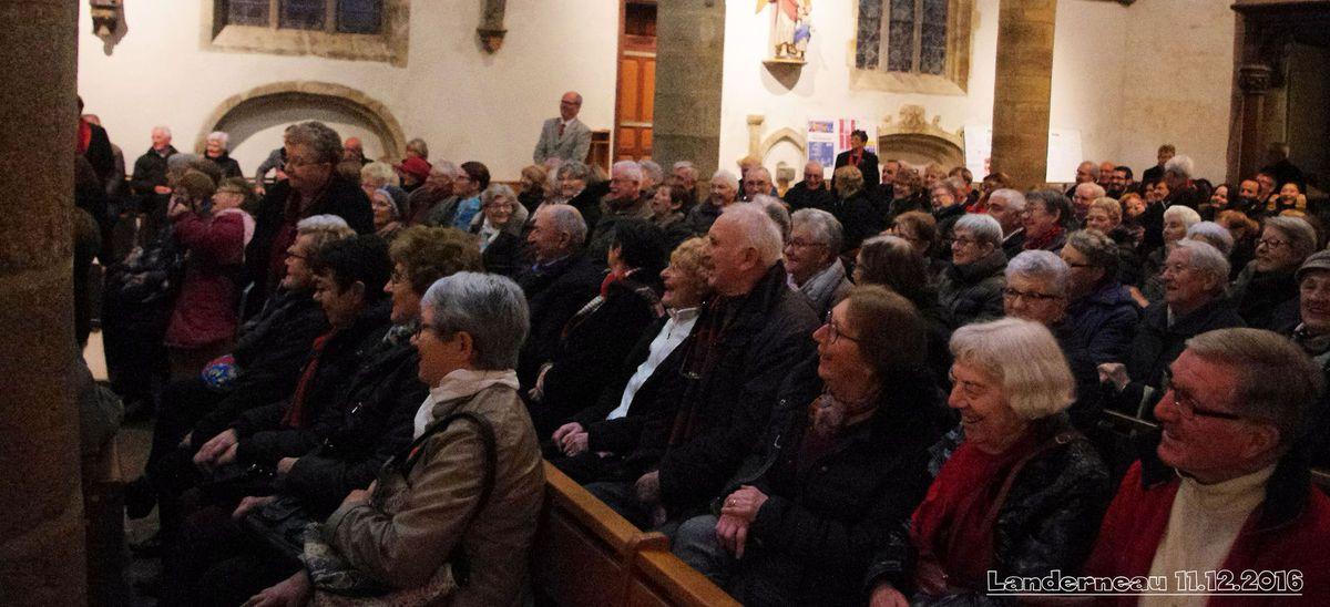 11.12.2016 concert par la Chorale de la Côte des Légendes en l'église Saint-Thomas de LANDERNEAU.